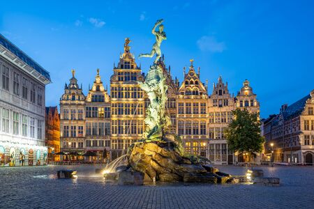 Guildhalls of Grote Markt of Antwerp in Belgium at night. 版權商用圖片