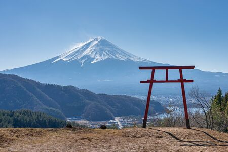 Mountain with Torii gate of Asama Shrine in Kawaguchiko, Japan. 版權商用圖片