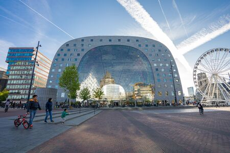 Rotterdam, Netherlands - May 13, 2019: View of Markthal the modern famous place in Rotterdam city, Netherlands. 新聞圖片