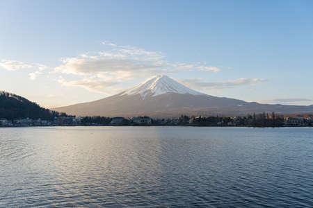 Kawagushiko lake with Fujisan mountain in Japan. 版權商用圖片