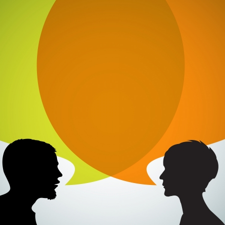 Abstracte silhouetten speakers met grote oranje bubble (chat, dialoog, praten of discussie)