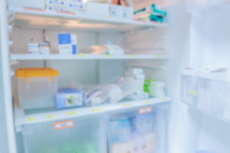 blur background drug shelves in refrigerator Stockfoto