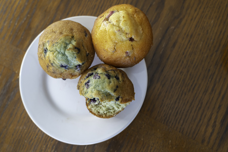 Tasty Home made muffins served and ready to eat Reklamní fotografie