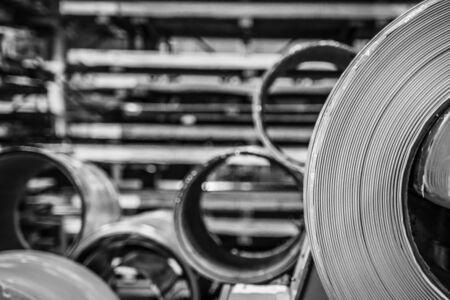Rouleau de machine de découpe d'acier galvanisé, usine de ferronnerie et de ferronnerie pour la production de toiture en métal et en acier.