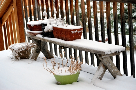patio deck: Patio coperta in inverno la neve.