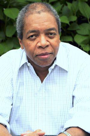 Afrique american male posant ? l'ext?rieur Banque d'images - 21163481