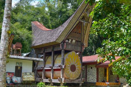 sulawesi: Tana Toraja, Sulawesi, Indonesia - August 14: Tana Toraja Cemetery on August 14, 2016 in Kete Kesu, Sulawesi, Indonesia