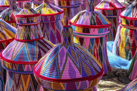 Manden op de Aksum-mandmarkt in Aksum, Ethiopië.
