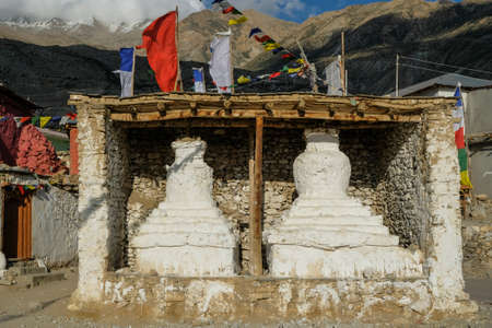 Stupas in the village of Nako in Himachal Pradesh, India. Banque d'images