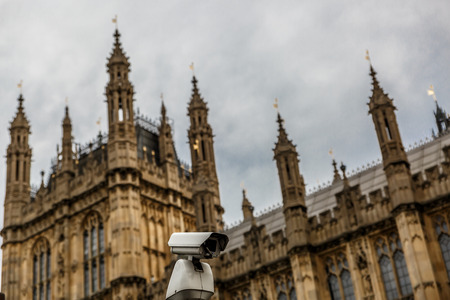middlesex: Close-up of a surveillance camera in front of the Palace of Westminster, United Kingdom