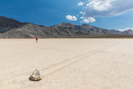 fata morgana: Racetrack in the Death Valley National Park