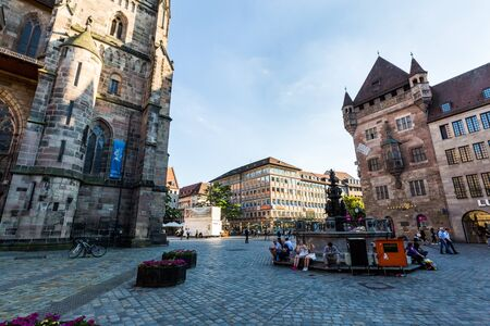 bayern old town: NURENBERG, GERMANY - JUNE 22, 2016: View of the Lorenzer Square and the Tugendbrunnen in the old town part of Nurnberg on June 22, 2016. Editorial