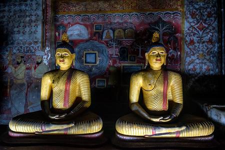 Images of meditating Buddha in Dambulla