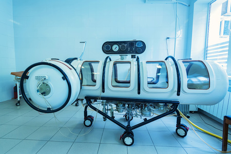 Hyperbaric oxygen therapy chamber tank 스톡 콘텐츠