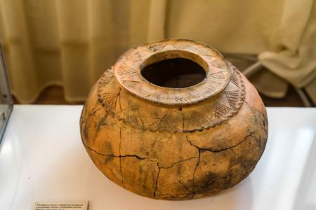 Old crockery in archaelogical museum Фото со стока
