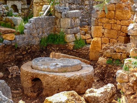 roma antigua: Turqu�a  Mersin  Kanli divane  antiguo molino de roma