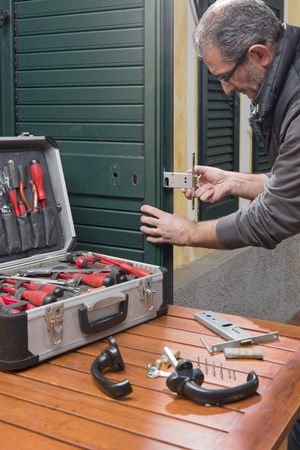 Locksmith repair a door lock replaces the lock.
