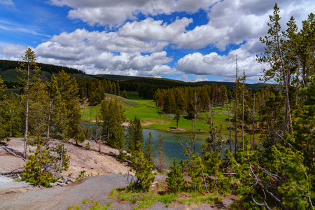 Landscape of the valley with view of the Yellowstone River inside the national park. 스톡 콘텐츠
