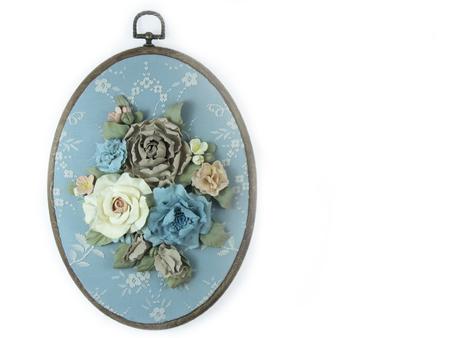 poleas: Poleas y flores aisladas de mano