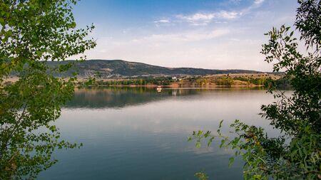 Cankiri-Turkey (Alpsari) lake for hiking and picnic area Imagens