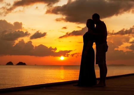 thai teen: silhouette couple in love