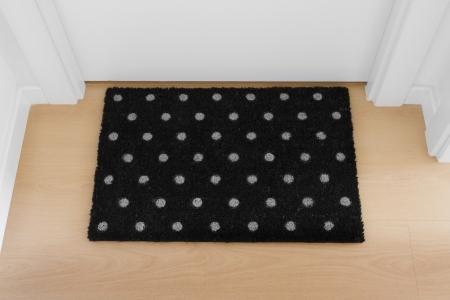 welcome mat: Welcome home doormat with close door