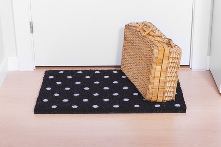 welcome mat: Welcome home doormat with suitcase