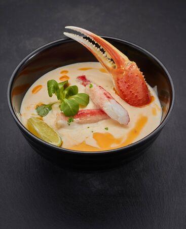 Crab soup. Spicy thai cuisine. 版權商用圖片