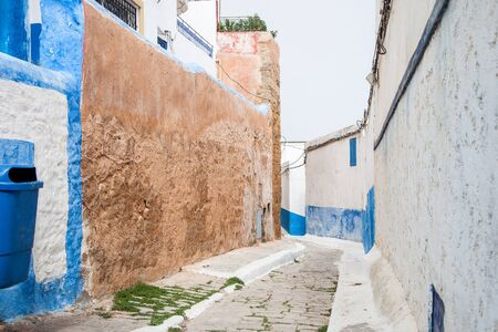 blue and white streets of Morocco Stockfoto