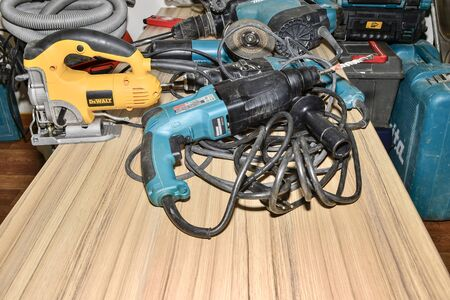 The range of power tools brands MAKITA, DEWALT in the house to prepare for the repair of Russia, Zheleznogorsk, December 2017
