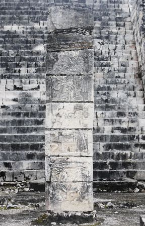 temple of the jaguar warriors Chichen Itza in the yucatan was a Maya city and one of the greatest religious center and remains today one of the most visited archeological sites Imagens
