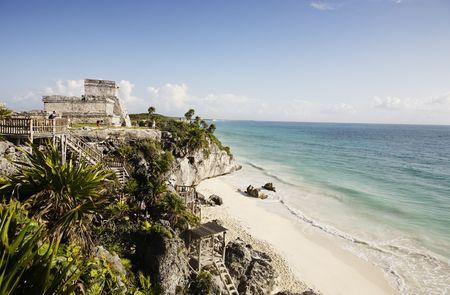 Blick auf die Maya-Ausgrabungsstätte Tulum