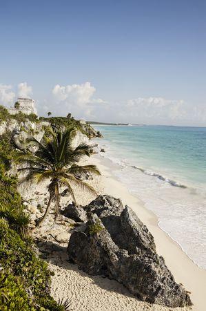 vue sur le site archéologique maya de tulum