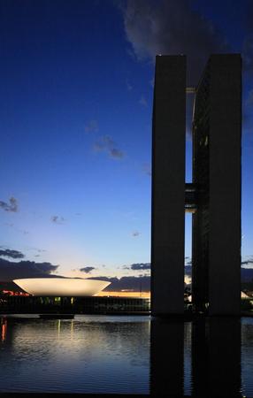 Der Nationalkongress von Brasilien in der brasilianischen Hauptstadt von Brasilien bei Nacht