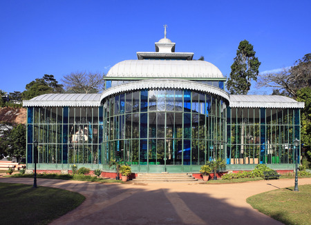 Orquidário the crystal palace of the ancient imperial city of petropolis in rio de janeiro state in brazil 版權商用圖片