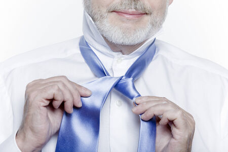 windsor necktie lesson doing by an handsome man