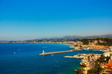 フランスのリビエラ ニース コートダジュールの美しいスカイライン フランス