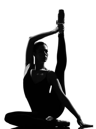 pantimedias: hermosa mujer cauc�sica de altura ballet bailarina larga duraci�n sobre fondo blanco estudio aislado