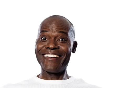 アフロアメリカン: 表現する幸せアフロ アメリカンの人間の分離白地にスタジオに笑みを浮かべて肖像画