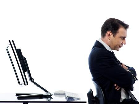 白人の男と、コンピューターのバグ競合拒絶概念を表現する分離の白い背景の上モニターを表示します。 写真素材 - 11752950