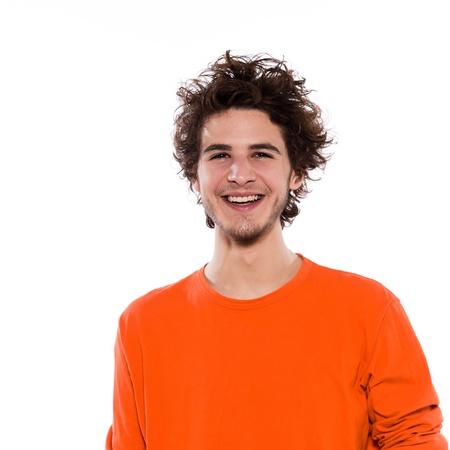 dentudo: Retrato de hombre joven fresca con dientes sonriendo feliz en el estudio aislado sobre fondo blanco