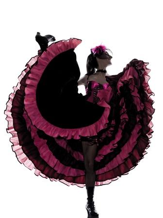 Frau Tänzer tanzen Cancan Französisch im Studio isoliert auf weißem Hintergrund Standard-Bild