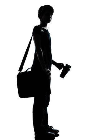 un chico joven caucásico silueta de adolescente o niña de la escuela de longitud estudiante de jornada completa en el estudio de corte aisladas sobre fondo blanco