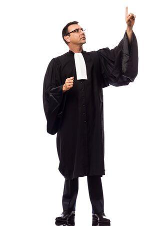 suplicando: un hombre cauc�sico abogado de declararse en el estudio aislado sobre fondo blanco