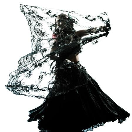 un ventre arabe danseuse silhouette studio de danse isol� sur fond blanc photo