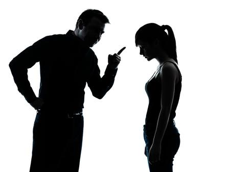 enfant fach�: un homme et conflits litige adolescent fille dans l'int�rieur silhouette isol� sur fond blanc