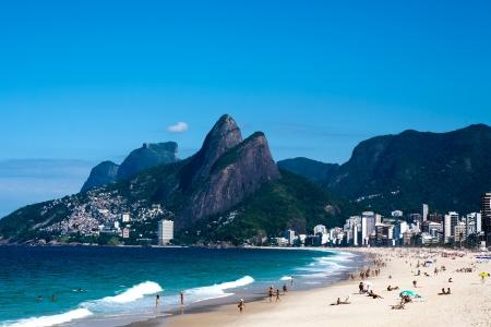 리오 드 자네이로 브라질에있는 레 블론의이 파네 마 해변의보기