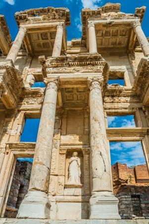 columnas romanas: Éfeso antiguas ruinas griegas de Anatolia Turquía