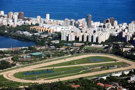 huellas de animales: Vista aérea de la pista de carreras de Lagoa y Leblon en Río de Janeiro Brasil Editorial