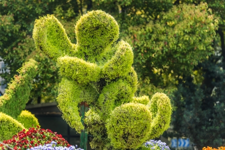 sexual activity: stylish bush sculpture design lovers couple  in republic popular of china